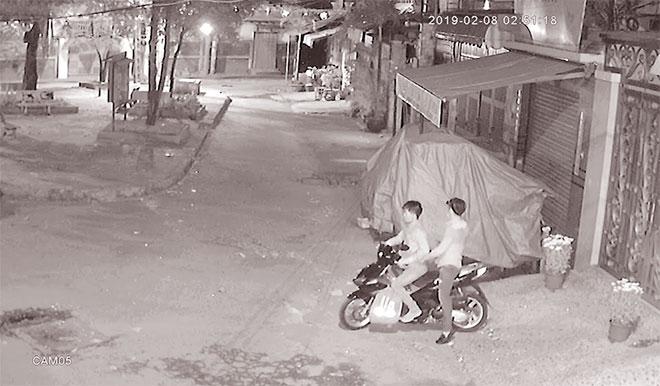 Truy tìm băng trộm 4 ngày, đột nhập nhà 4 lần khi chủ về quê - Ảnh 1.